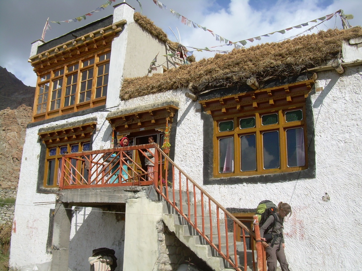 Traditional ladakhi buildings and houses india cultural for Guest house construction cost